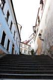 Escadaria estreita alta foto de stock royalty free