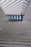 Escadaria exterior, lugares de trabalho modernos, prédio de escritórios foto de stock royalty free