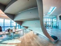 Escadaria moderna - prédio de escritórios - conceito do negócio Foto de Stock