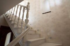 Escadaria na casa imagem de stock
