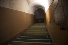 A escadaria na casa abandonada Imagem de Stock Royalty Free
