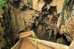 Escadaria na caverna de Tham Khao Luang, província de Phetchaburi, Tailândia Imagem de Stock Royalty Free