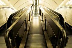 Escadaria que vai para baixo Fotografia de Stock Royalty Free