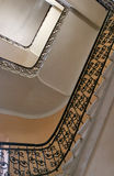 Escadaria velha de abaixo fotografia de stock royalty free
