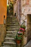 Escadaria velha do enrolamento em Cinque Terre, Itália Fotos de Stock Royalty Free