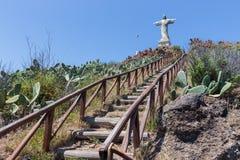 Escadas à estátua de Jezus Cristo em Garajau em Funchal, Madeira Fotografia de Stock Royalty Free