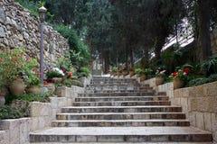 Escadas à igreja de Mary Magdalene, Jerusalém Imagem de Stock