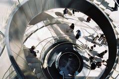Escadas da espiral do museu da grelha fotos de stock