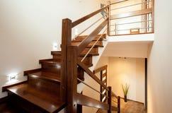 Escadas de madeira em casa fotografia de stock royalty free