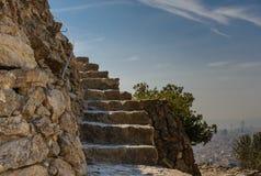 Escadas de pedra ao lado do ponto de vista de Barcelona imagem de stock royalty free