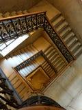 Escadas de uma construção antiga Fotografia de Stock