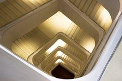 Escadas dentro do fórum de Caixa Imagem de Stock