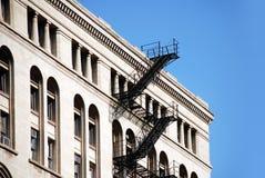 Escadas do edifício e do incêndio Imagens de Stock Royalty Free