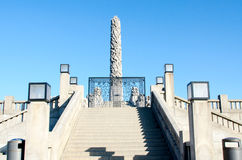 Escadas e obelisco no parque de Vigeland Imagem de Stock Royalty Free
