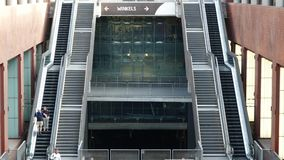 Escadas e escadas rolantes Imagens de Stock