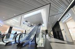 Escadas em um shopping Imagem de Stock Royalty Free