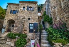 Escadas entre as casas muito velhas Imagem de Stock Royalty Free