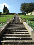 Escadas históricas no jardim italiano Fotografia de Stock Royalty Free