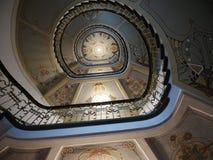 Escadas modernas do estilo com testes padrões decorativos Fotografia de Stock