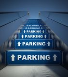 Escadas moventes da escada rolante ao estacionamento, conceito Imagem de Stock Royalty Free