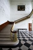 Escadas na sala principal na casa esplêndido de Russborough, Irlanda Fotos de Stock Royalty Free