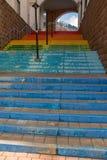 Escadas pintadas em cores do arco-íris fotos de stock royalty free