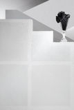 Escadas preto e branco do fundo de vidro Fotografia de Stock Royalty Free