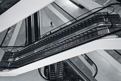 Escadas rolantes em um armazém em Banguecoque fotografia de stock royalty free