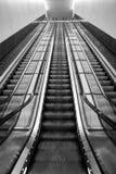 Escadas rolantes longas Fotos de Stock