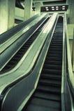 Escadas rolantes moventes   Fotos de Stock