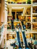 Escadas rolantes na galeria no porto interno de Baltimore, Mary Imagem de Stock Royalty Free