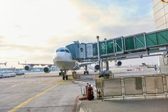 Escadas rolantes no aeroporto Imagens de Stock
