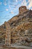 Escadas a uma torre de vigia velha sobre um monte Imagens de Stock
