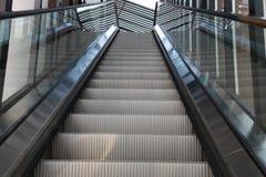 Escadas vazias da escada rolante Fotografia de Stock Royalty Free