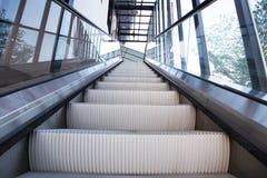 Escadas vazias da escada rolante Imagens de Stock