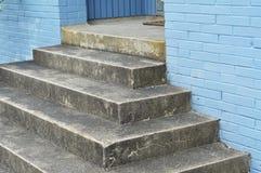 Escadas velhas do concerete Fotografia de Stock Royalty Free