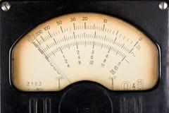Escala analogica de la vendimia de un dispositivo del measurment imagen de archivo
