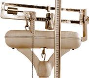 Escala antiga para medir o peso e a altura Fotografia de Stock Royalty Free
