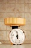 Escala da cozinha, dentro de uma cozinha Fotos de Stock