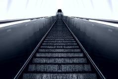 Escala de la escalera móvil Imagenes de archivo