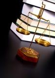 Escala de la justicia Imágenes de archivo libres de regalías