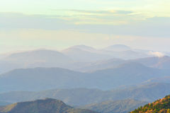 Escala de montanha de Ridge azul Imagens de Stock