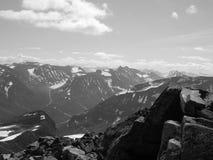 Escala de montanha em Noruega fotografia de stock