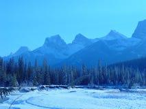 Escala de montanha no inverno Fotografia de Stock