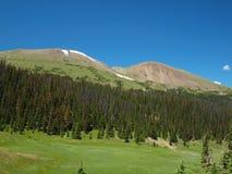 Escala de montanha rochosa Imagens de Stock