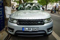 escala luxuosa Rover Sport de SUV do Meados de-tamanho, desde 2013 Imagem de Stock Royalty Free