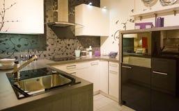 Escala moderna nova 15 da cozinha Fotografia de Stock Royalty Free