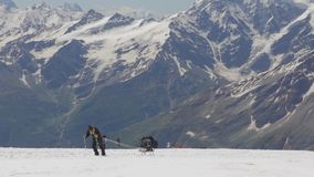 Escalada à parte superior de Elbrus video estoque