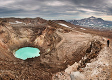 Escalada ao vulcão ativo Foto de Stock