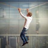 Escalada arriscada Imagens de Stock